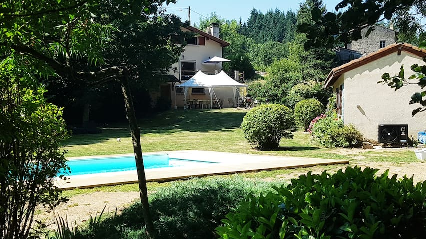 Cottage in the countryside with swimming pool