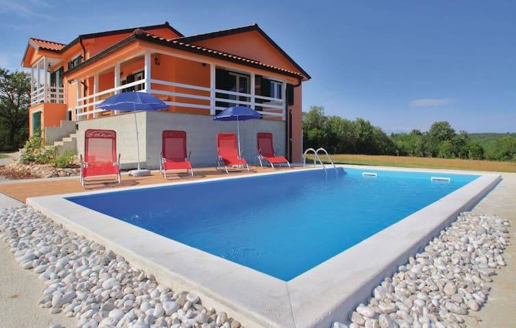 Villa Olea in Istria - nature and sports oasis - Raša - บ้าน