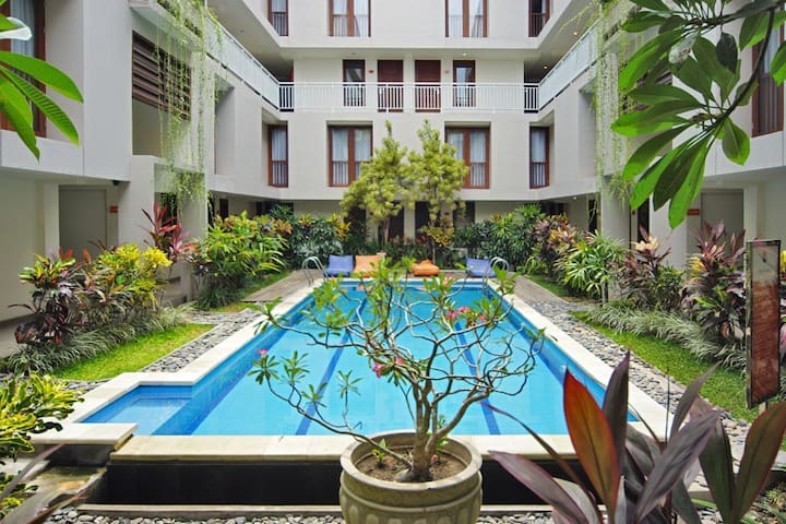 Fresh modern fully equiped loft apartment seminyak - Kuta - Byt