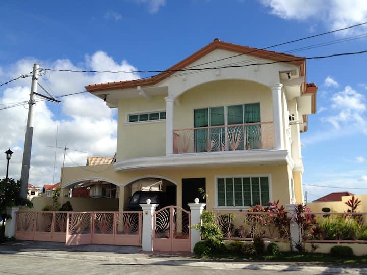 House near Nuvali, Tagaytay and EK