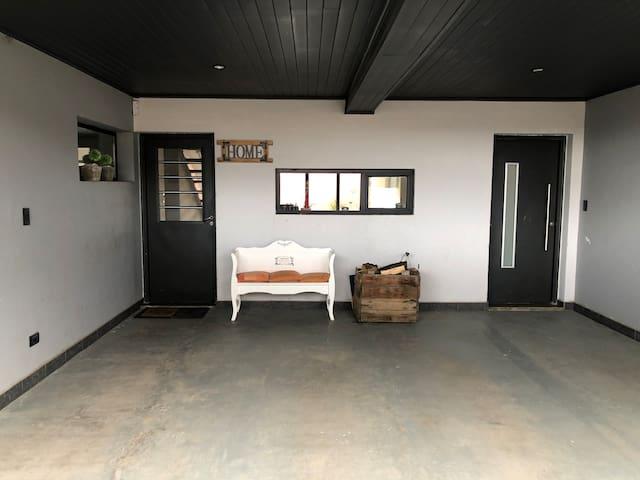 House - Room / Private bathroom / DesayunoBBB