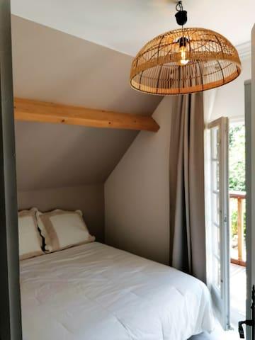 Chambre 2 : lit de 140x190