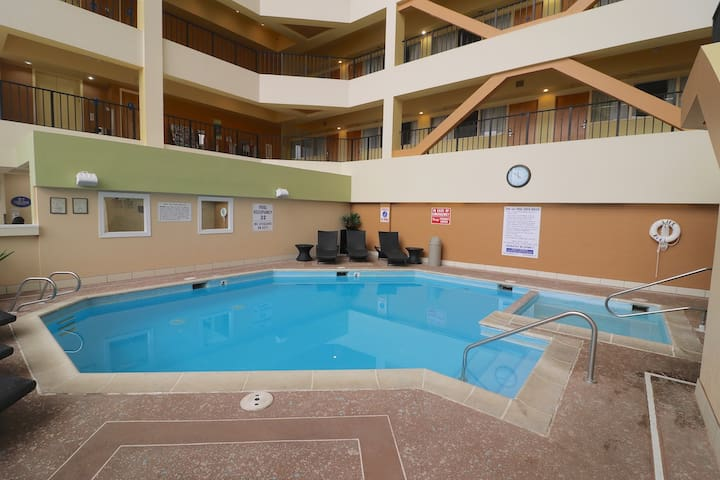 Spacious Suite w/ Full Kitchen & Indoor Pool at The Atrium Resort