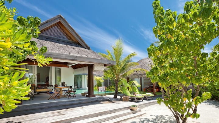 Beach Pool House · Dinner · Naladhu Private Island