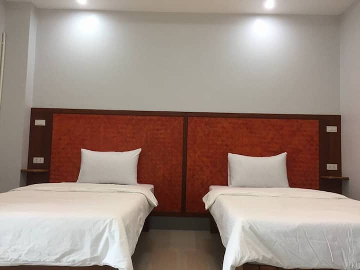 Service Apartment near Padriew Markets Clean Safty