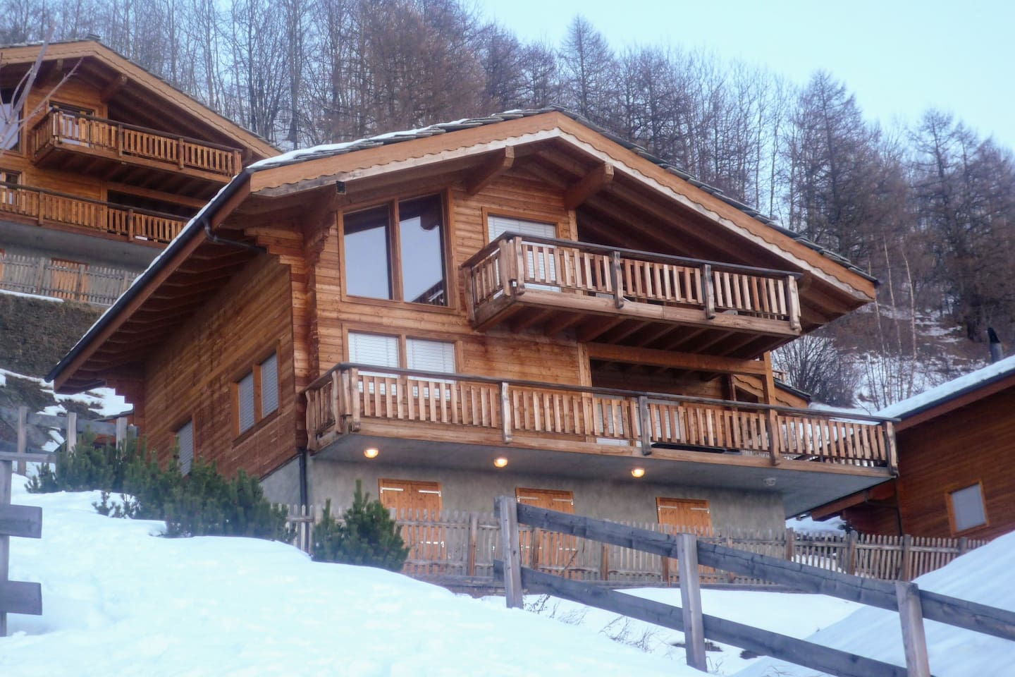 Six Bedroom Chalet with a view to Siviez Valley, Nendaz and Sion