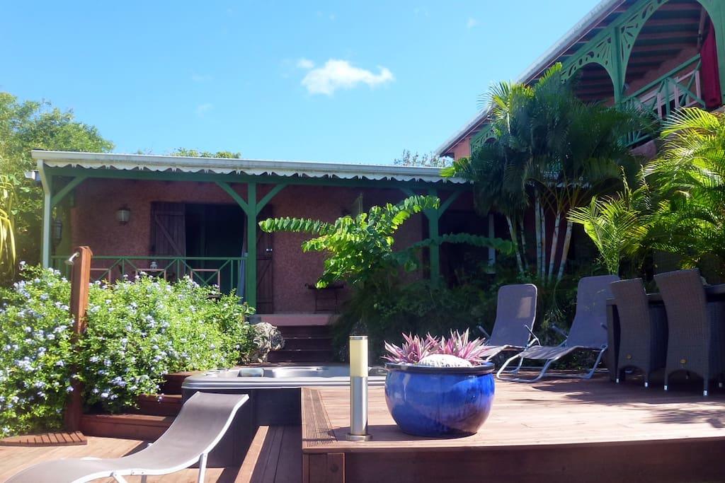 Terrasse avec SPA, privatifs