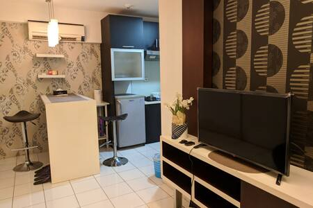 1Bedroom CLEAN Apartment & FREE WIFI Kelapa Gading