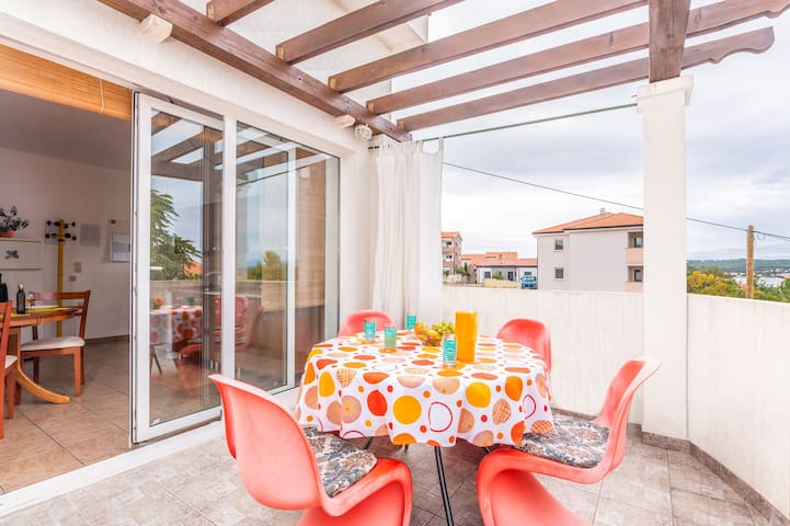 Fully equipped apartment in Klimno for 2-4 persons