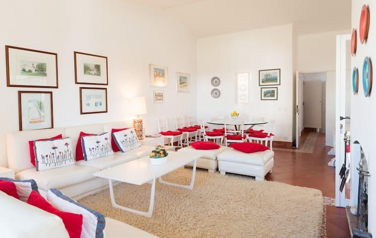 Amazing Villa • 2 Apt· 4 BD · WiFi · BEACH