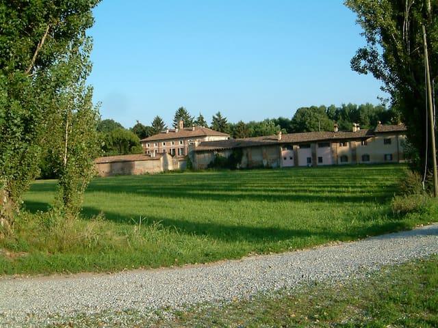 Ex stallino: confortevole residenza - Lodi - Rumah