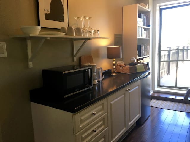 """The Reeve Bed and Breakfast """"Isabella Suite"""" - Dunnville - Bed & Breakfast"""