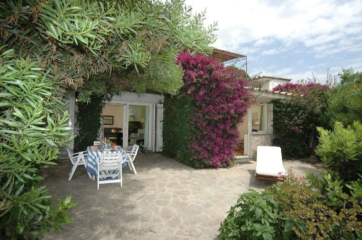 Delicious Cottage in villa, garden,lovely sea view - Neapol