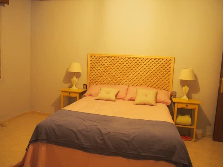 Duplex amplio, cómodo, céntrico y con 2 garajes