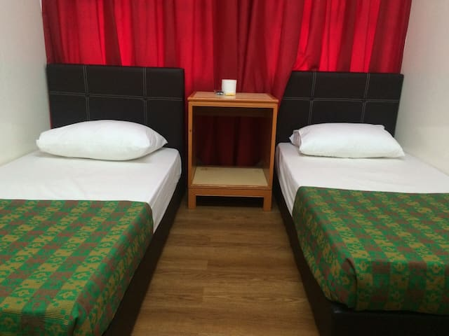 Deluxe Twin Beds (Shared Bathroom) - George Town - Overig