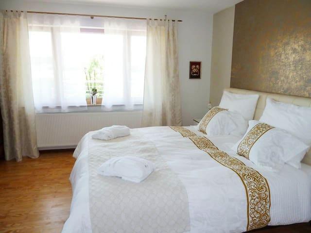 Komfort Privatzimmer mit Teeküche - Gundelfingen - Rumah
