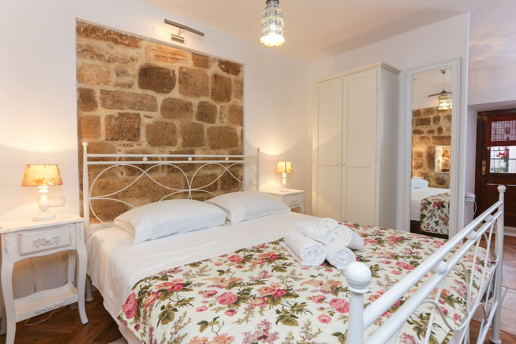 ...you will find this beautiful Studio, perfect for two...