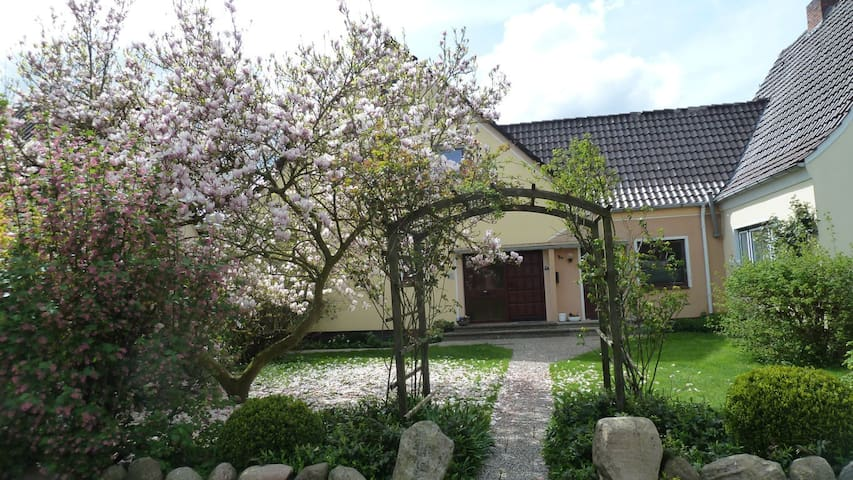 Sägestr. 4, 27619 Sellstedt - Schiffdorf - House