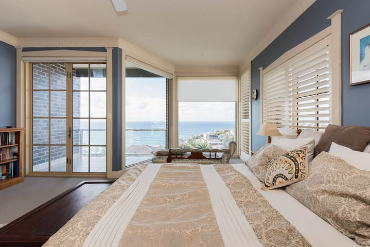Bronte Bedroom with a View! - Bronte - Huis