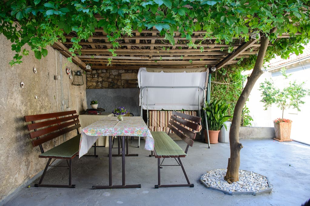 courtyard table and grill