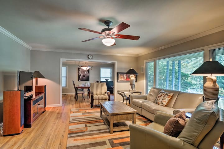 Downtown Austin Home w/ Patio, 3 Mi. to SoCo!