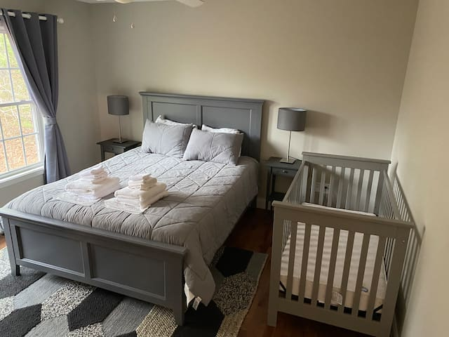 Queen Size Bedroom with Crib