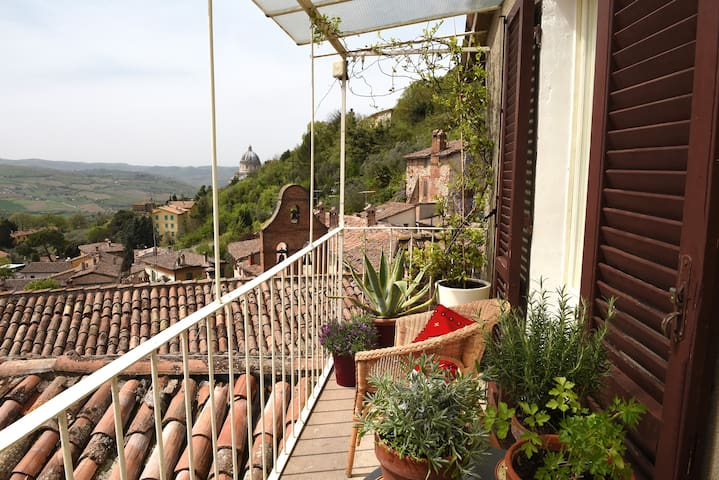 APARTMENT WITH BREATHTAKING VIEWS, HISTORIC CENTRE - Todi - Apartemen
