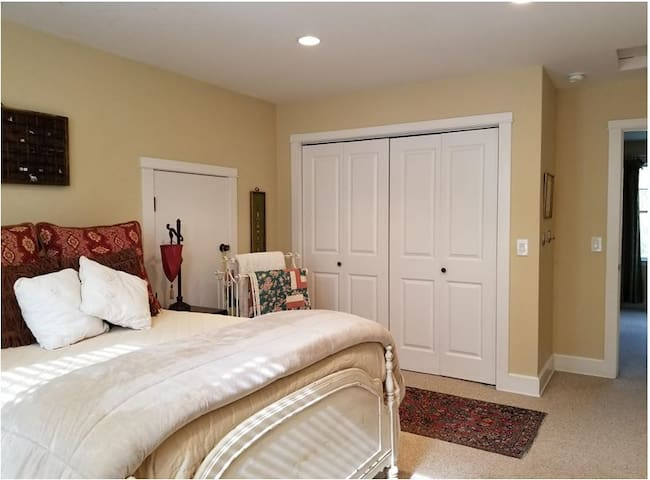 Relax and enjoy a great night's sleep in your large, private bedroom -queen bed offers soft pillows, comfort, and extra blankets.  And, the morning sun is a bonus.