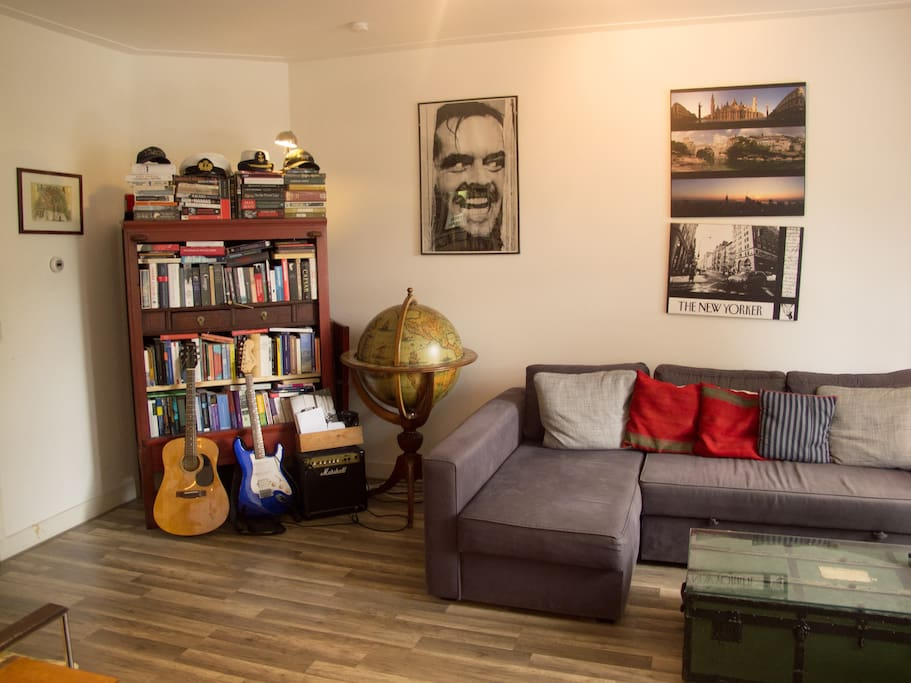 Living room, continued...