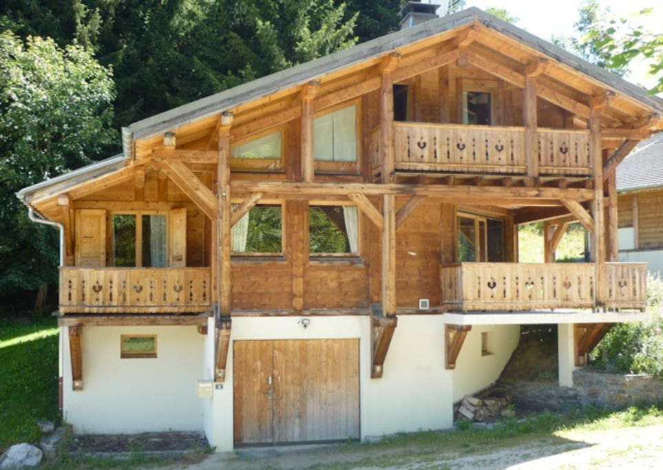 chalet pierre les gets haute savoie france chalets for rent in les gets rh ne alpes france. Black Bedroom Furniture Sets. Home Design Ideas