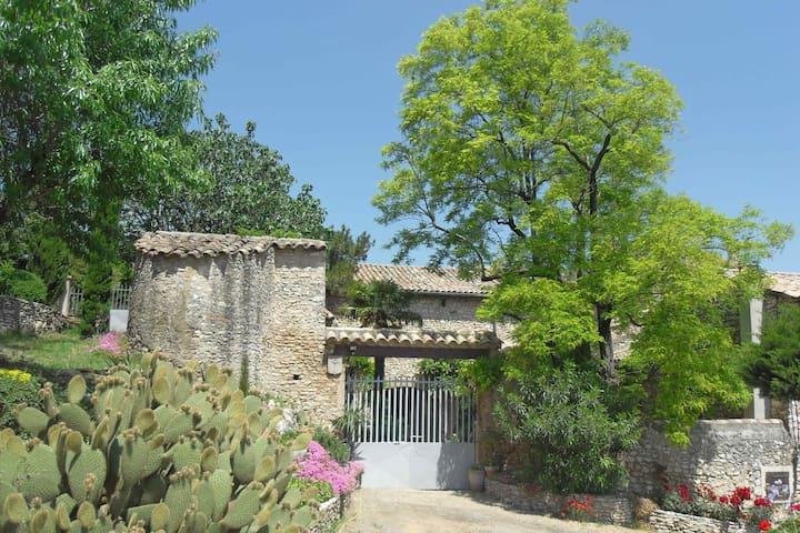 Mas Provençal  Le Chapitre - Saint-Marcel-d'Ardèche - House