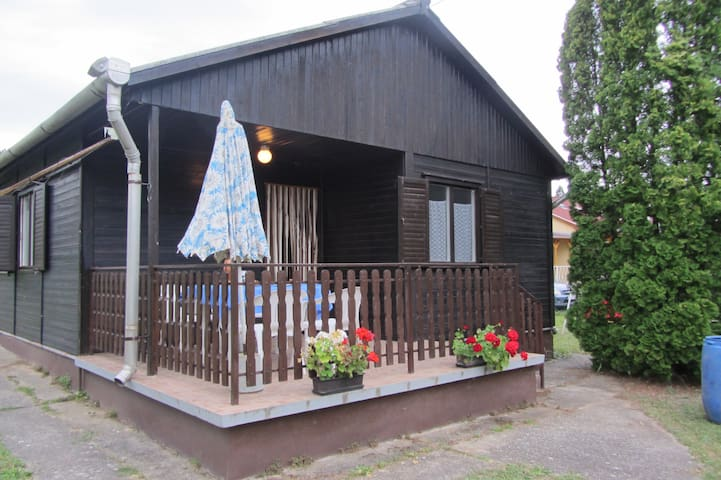 Wooden house -close to lake Balaton - Balatonszepezd