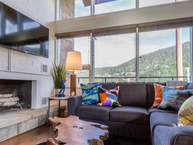 Ski-n-golf townhouse 4 bedroom, 3 bath, sleeps 10 - Vail