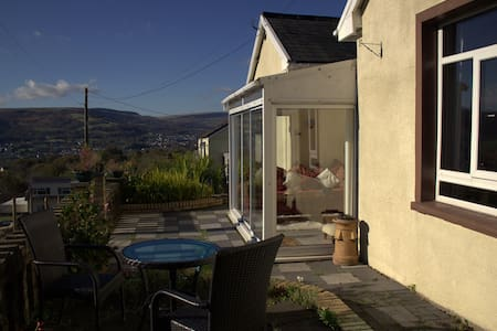 Beehive Cottage near BPW and Brecon Beacons