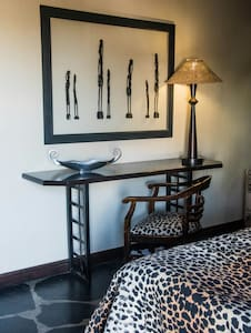 Cosy suite on outskirts of city - Windhoek