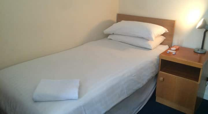 Single room - Liverpool city centre..!
