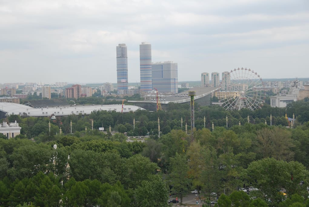 Вид из окна на ВДНХ
