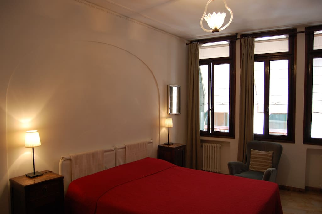 B b double room share bathroom chambres d 39 h tes louer for Chambre d hote venise