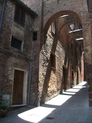 Apt. 100mt. from Piazza Il Campo - Siena - House