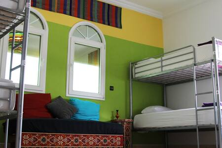 Bed in 8-Bed Mixed Dorm - Asilah - Bed & Breakfast