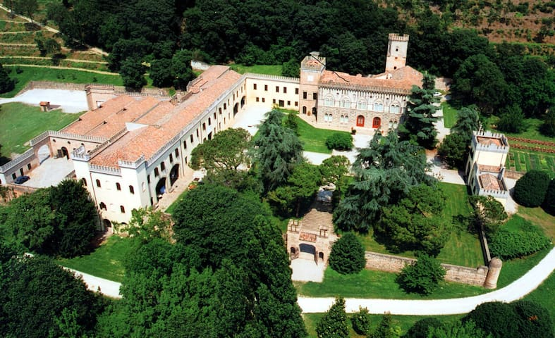 Dimora - Stunning ancient Castle with heated pool