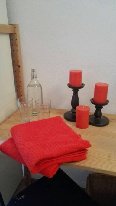 Für Handtücher, Ambiente und Wasser ist gesorgt