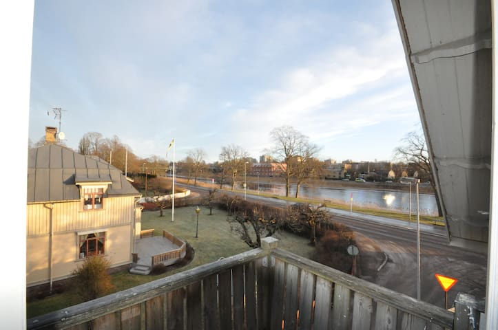 Cozy Apt. with beautiful view, near downtown - Karlstad - Apartment