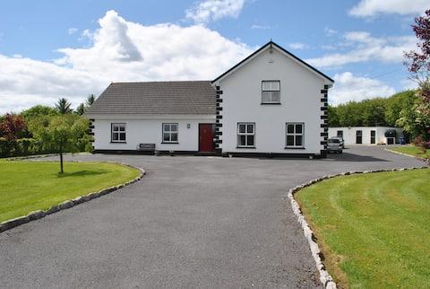 Family home , plenty of parking Eircode H91 XYH4
