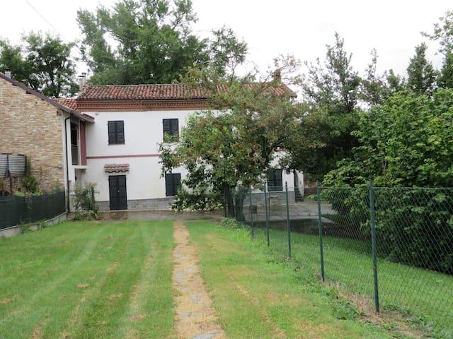 RAVIZZA'S HOUSE - Villadeati - Dům