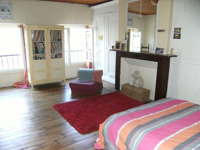Chambre d'une maison de ville - Saint-Sever - House