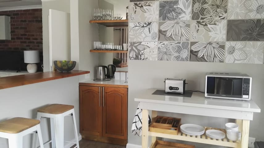 24 ON HIGH - Stay in the heart of Hermanus!