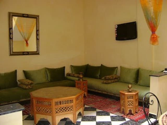 ideally located riad perfect for family trip - Marrakech - Casa