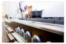 Gas cooker 5 hobs