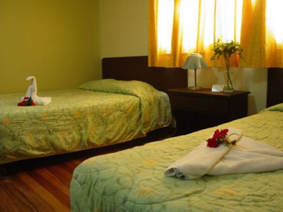 Hotel Rio Segundo: 1 km east from Juan Santamaria Intl Airport, on the road to Heredia, Rio Segundo Alajuela